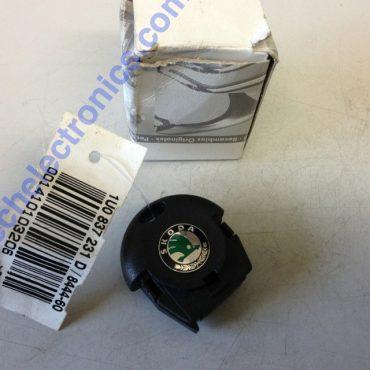 Skoda Octavia Round 2 Button Remote 1U0837231D 1U0 837 231 D