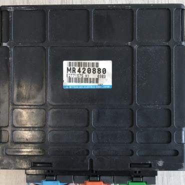 Mitsubishi Engine ECU, MR420880, E2T71575, H1